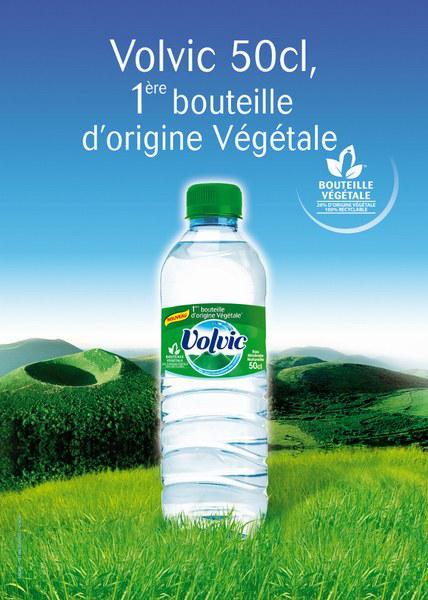 Affiche greenwashing de Volvic